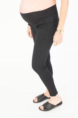 ג'ינס שחור קלאסי